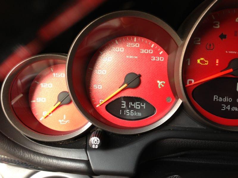 بورش  كاريرا  موديل 2007 نظيفة جدا جدا السعر 165 ألف كاش