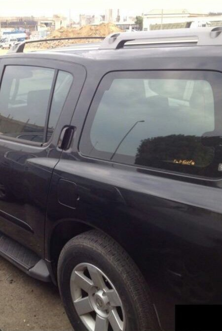 سياره  ارمادا موديلها 2006 للبيع اللون اسود فل نظيفه الصور بداخل 526af7995204e.jpg