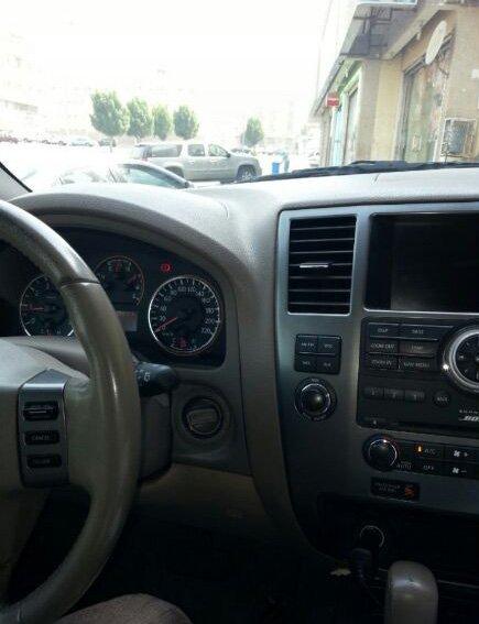 سياره  ارمادا موديلها 2006 للبيع اللون اسود فل نظيفه الصور بداخل 526af7acb58fb.jpg